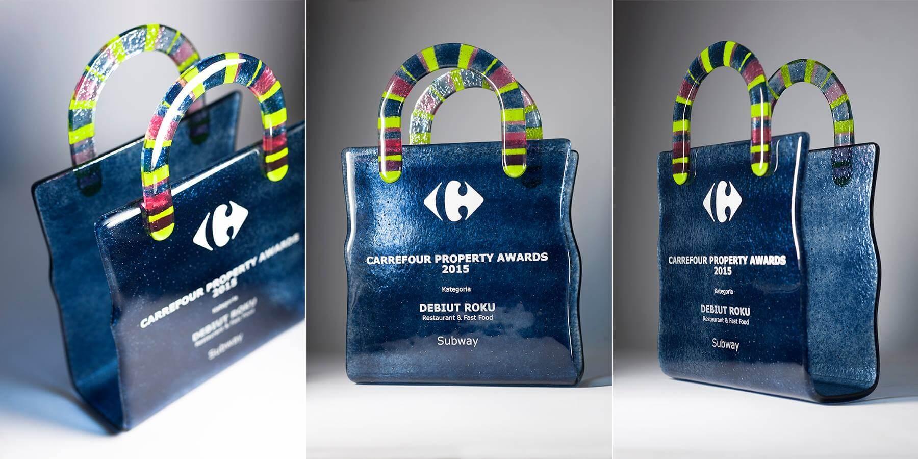 statuetka-carrefour-property-awards
